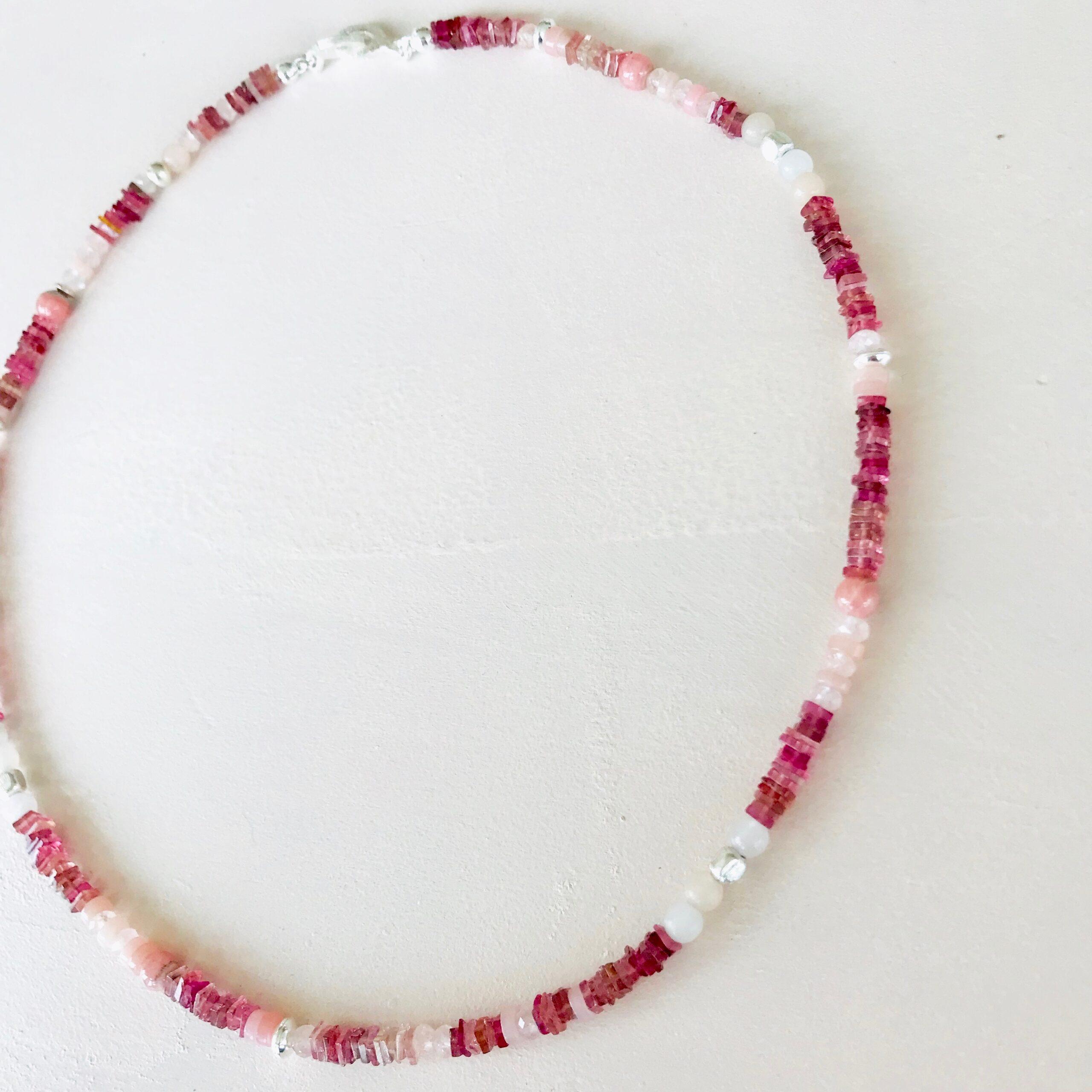 collier avec de l'Opale des andes