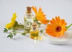 L'huile essentielle sur les méridiens d'acupuncture.